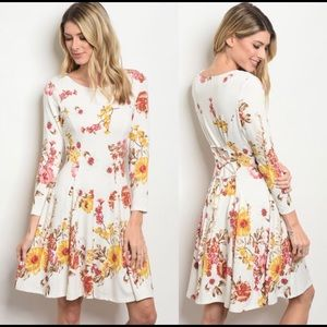 Dresses & Skirts - 🆕 floral dress with tie on the back (pic #3)